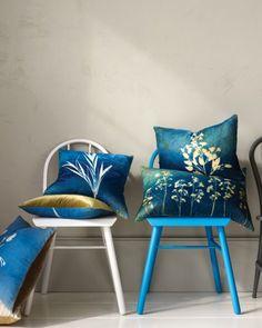 DIY pre-treated fabric for sun-printing. Such pretty flower prints.