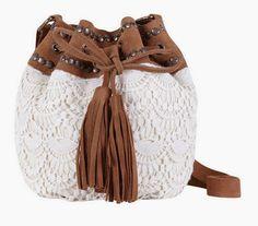 innovart in crochet Crochet Handbags, Crochet Purses, Crochet Bags, Love Crochet, Knit Crochet, Crochet Backpack, Crochet World, Macrame Bag, Fabric Bags