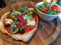 London, Notting Hill Notting Hill, I Love Food, Vegetable Pizza, London, Vegetables, Big Ben London, Veggie Food, Vegetable Recipes, Vegetarian Pizza