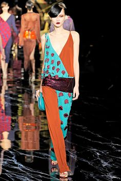 Louis Vuitton Spring 2011 Ready-to-Wear Collection Slideshow on Style.com