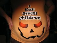 Halloween Costumes for Pregnant Women! I've seen SO many cute maternity Halloween outfits! If I have another baby I DEFINATLEY need to make sure Im big & pregnant in October! Fröhliches Halloween, Pregnant Halloween Costumes, Holidays Halloween, Maternity Halloween, Women Halloween, Halloween Makeup, Halloween Kitchen, Halloween Decorations, Pregnancy Costumes