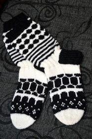 Marimekko, Wool Socks, Knit Crochet, Gloves, Diy Crafts, Haku, Villa, How To Make, Knitting Ideas