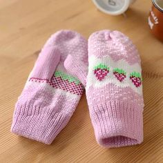 Buy '59 Seconds – Strawberry Pattern Mittens' with Free International Shipping at YesStyle.com. Browse and shop for thousands of Asian fashion items from Hong Kong and more!