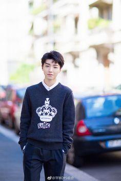 王俊凯米兰时装周 - 在微话题一起聊聊吧!