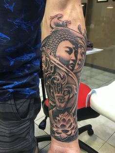 Buddha tattoo by Francisco Ordonez At tiki Town Tattoo Shop Calgary AB. Girls With Sleeve Tattoos, Arm Tattoos For Guys, Trendy Tattoos, Sexy Tattoos, Buddha Tattoos, Buddhist Symbol Tattoos, Feather Tattoos, Skull Tattoos, Hand Tattoos
