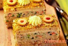 Бутербродный торт с селедкой и крабовыми палочками