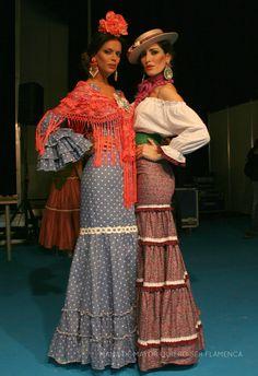 Corte falda traje celeste Spanish Dress, Spanish Style, Hippie Style, Bohemian Style, My Style, Spanish Fashion, Diy Costumes, Dress Skirt, Fashion Beauty