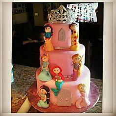 Disney Princess Cake - Pink Sugar Cupcakes