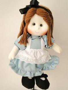 Boneca De Pano Alice 40 Cm - Alice no País das Maravilhas    ==> Valores Individuais, por boneca.  Opções de tamanho:  30 cm = R$ 114,00  40 cm = R$ 143,00  50 cm = R$ 168,00  60 cm = R$ 188,00  -> Para comprar um boneco do tamanho diferente do anunciado, basta informar nas observações e o valor ...