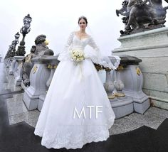 2015 Gorgeous Sweetheart Long Sleeves Crystal Beaded Applique Lace Crochet Organza Chapel Train Ball Gown Bride Wedding Dresses Bridal Dress from Luyuann,$369.75 | DHgate.com