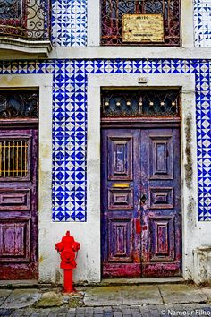Photograph A Porta - Lisboa Collection by Arlindo  Namour Filho on 500px