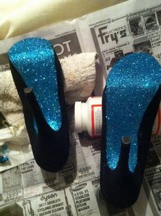 Add blue sparkle to the bottoms of your shoes