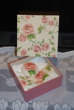 artesanato em madeira by dewanick, via Flickr Soap Wedding Favors, Decoupage Vintage, How To Make Paint, Pretty Box, Vintage Box, Diy Box, Wooden Boxes, Painting On Wood, Fabric Crafts