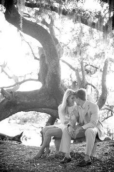 Outdoor wedding photo idea