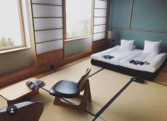 I n s p o ___________________________ Wie cool ist das denn? Japanische #tantami Matten.  Auf das Bettgestell kann man dann verzichten. ___________________________ #japan #japanlovers #japaneseinspired #japaneseinterior #baliinterior #interiordesign #bodenbelag #teppich #interior #interiorinspo #inspirationeveryday #wohnen #renovierung #schlafzimmer #interior125 #interiør #solebich #einrichtung #wohnen #bauherren2018 #bauherren #hauskauf #hausumbau #hausumbau2018 #interiorfollowtrain…