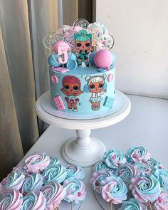 The meringue rosettes! Doll Birthday Cake, Funny Birthday Cakes, Pink Birthday Cakes, 6th Birthday Parties, Girl Birthday, Beautiful Cakes, Amazing Cakes, Aaliyah Birthday, Lol Doll Cake