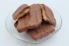 Nu kan du få hjemmelavet daim, lavet af dig selv. Det er meget simpelt og smager nøjagtig som den daim du køber. Brug det også når du skal lave kagecreme.