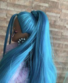 Cool Toys For Girls, Lol Dolls, Dream Bedroom, Art Drawings, Rainbow, Hair Styles, Simple, Board, Beauty