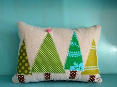 I love this tree pillow! Christmas Sewing, Christmas Pillow, Christmas Projects, All Things Christmas, Christmas Holidays, Christmas Tree, Xmas, Fabric Crafts, Sewing Crafts