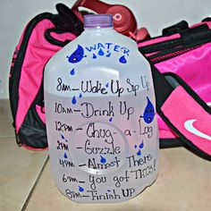 A more close up look on what I actually wrote on this gallon of water !! You can customize it to look and say whatever you like !! I am actually on my day 3 of my very own personal challenge ... I am challenging myself and not competing with other ... I want to transform my own body to be the best it can be and as well as my health... But those two go hand in hand #health #fitness #fit #Ootn #fitfam #fitnessmodel #fitnessaddict #fitspo #workout #bodybuilding #cardio #gym #girlsthatlift…