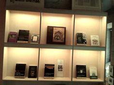 Sección dedicada a los viajeros que visitaron la Alhambra en la época romántica.