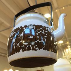 #finel #emalipannu #ritari #raijauosikkinen #kahvipannu #emali 39€, #lahti #kirpputori #kirpputorikisälli #antiikki #antiikkikauppa #juhokusti #retro #vintage kork. 14cm ilman kantta (paikassa Kirpputori Kisälli) myyty Kettle, Retro Vintage, Kitchen Appliances, Instagram, Diy Kitchen Appliances, Teapot, Home Appliances, Domestic Appliances, Boiler