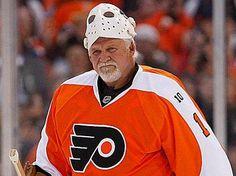 Back-to-back Stanley Cup Champion, Philadelphia Flyers goalie Bernie Parent Flyers Hockey, Hockey Goalie, Hockey Players, Ice Hockey, Nhl, Bernie Parent, Philadelphia Sports, Fly Guy, Role Models