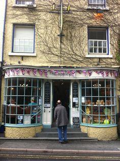The Apple Pie in Ambleside, Cumbria Falafel Burgers, Family Memories, Cumbria, Lake District, Apple Pie, Street View, Restaurant, Travel, Viajes