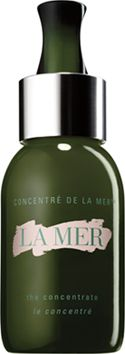 Designed to soothe visible irritation and redness caused by cosmetic procedures such as chemical peels, microdermabrasion and laser treatments, it is infused with a dose of highly concentrated Miracle Broth™, the heart of La Mer's profound powers of transformation. Irritation appearsisoothed and dry, fragile skin made strong for a radiant renewal.