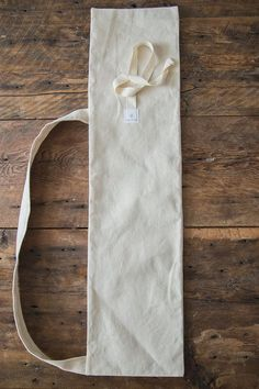 Reusable baguette bag by DanslesacBoutique on Etsy Baguette, Beginner Knitting Projects, Bread Bags, Yoga Mat Bag, Produce Bags, Sewing Art, Handmade Design, Cloth Bags, Travel Size Products
