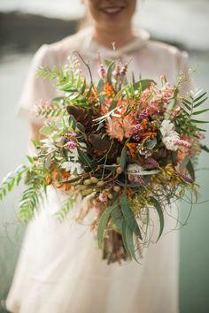 Australian native flower bouquet by Merrin Grace | Lauren and Steve's Eco wedding | Photography by A bear a Deer a Fox