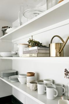 Open shelves can be a real hassle, but here are tips to help make them clean and easy to pull together and keep well styled. Get all the tips on The Fresh Exchange