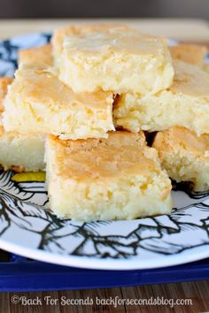 White Chocolate Brownies - INCREDIBLE! http://backforseconds.com  #whitechocolate #blondies #brownierecipe