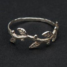 Sterling Silber Zweig und Blätter Ring von Dvora Schleffer Designs auf DaWanda.com