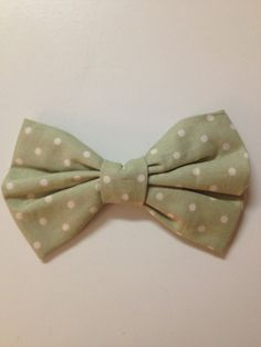 Polka Dot Pretty Bow (size small). $4.50, via Etsy.