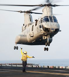 CH-46E Sea Knight helicopter assigned to Marine Medium Helicopter Squadron 268