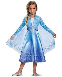 Disney's Frozen 2 movie is out and your favourite characters are out on another adventure. Find the best Frozen 2 Elsa costume for kids. Movie Fancy Dress, Halloween Fancy Dress, Halloween Kostüm, Halloween Costumes For Kids, Cool Costumes, Disney Costumes For Kids, Elsa Costume For Kids, Kids Costumes Girls, Toddler Costumes