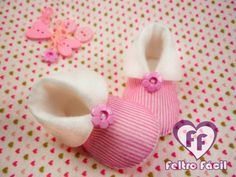 Фотография Baby Shoes Pattern, Shoe Pattern, Baby Kids Clothes, Doll Clothes, Projects For Kids, Sewing Projects, Cute Crafts, Diy Crafts, Miraculous Ladybug Party