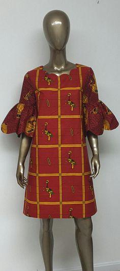 Il s'agit d'une belle sans doublure au-dessus de longueur genou Multi africain impression robe avec manches évasées de courtes efge festonné, festonnée à l'encolure. Robe longueur entre 34 et 37 pouces.    INCLUS: • Une robe  PLUS DE DÉTAILS: • Imprimé africain • Conseils d'entretien: lavage à froid. Appuyez sur  TAILLES DE ROBE * US 2 – 33 buste - taille 24 pouces - hanches 34-35 pouces * US 4--34 buste - taille 25 pouces - hanches 36-37 pouces * US 6--35 buste - taille 26 pouces…