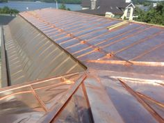 Copper Work, Metal Forming, Roof Design, Metal Roof, Modern Architecture, Construction, Wood, Outdoor Decor, Ideas