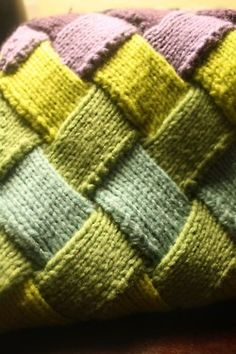 #entrelac #knitting http://knittwit.tumblr.com/