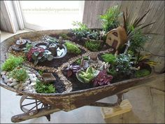 Cool Magical Best Diy Fairy Garden Ideas – Best Home Decorating Ideas Mini Fairy Garden, Fairy Garden Houses, Diy Garden, Gnome Garden, Garden Projects, Garden Bed, Fairy Gardening, Fairies Garden, Diy Projects