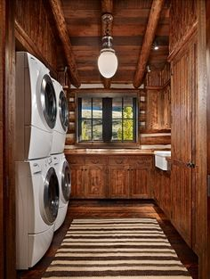 Paradise Ranch...Nice freakin laundry room..double washer and dryer.