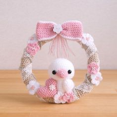 These are the amigurumi I'm making. Easter Crochet Patterns, Crochet Patterns Amigurumi, Baby Knitting Patterns, Crochet Dolls, Doll Patterns, Crochet Wreath, Crochet Flowers, Baby Kranz, Crochet Animals