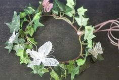 Replace tape with twine and use actual Ivy Butterfly Garden Party, Butterfly Fairy, Baby Fairy Costume, Fairy Costumes, Halloween Costumes, Fairy Headpiece Diy, Ivy Flower, Flowers, Diy Fairy Wings