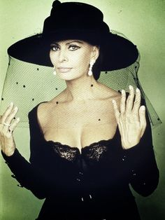 Sophia Loren  in black