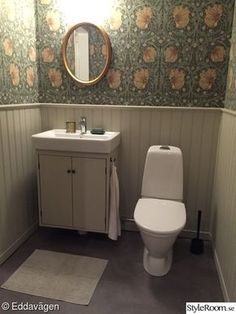 wallpaper, pearls, chest panel, william morris, pimpernel - Lilly is Love Laundry In Bathroom, Home Decor Bedroom, William Morris Wallpaper, Bathroom Wallpaper, House Styles, William Morris, Modern Bathroom, Wallpaper Toilet, Bathroom Inspiration
