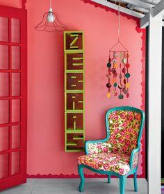Altas doses de alegria: rosa, vermelho, azul-turquesa e verde-limão - Minha Casa