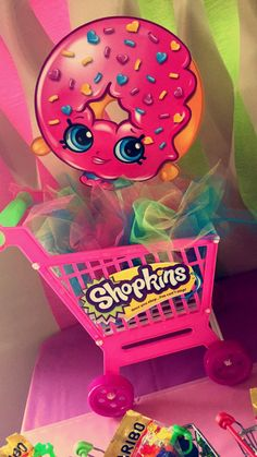 Fantastic Pic Shopkins Birthday Party Centerpiece Strategies Baby will be 1 at this point plus you need to party ! 🙂 Regarding women, the first year moves r Fete Shopkins, Shopkins Bday, 9th Birthday Parties, 8th Birthday, Birthday Ideas, Birthday Party Centerpieces, Party Time, Party Ideas, Display Stands