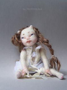 "art doll by FELTOOHLALA ""Blanche"""
